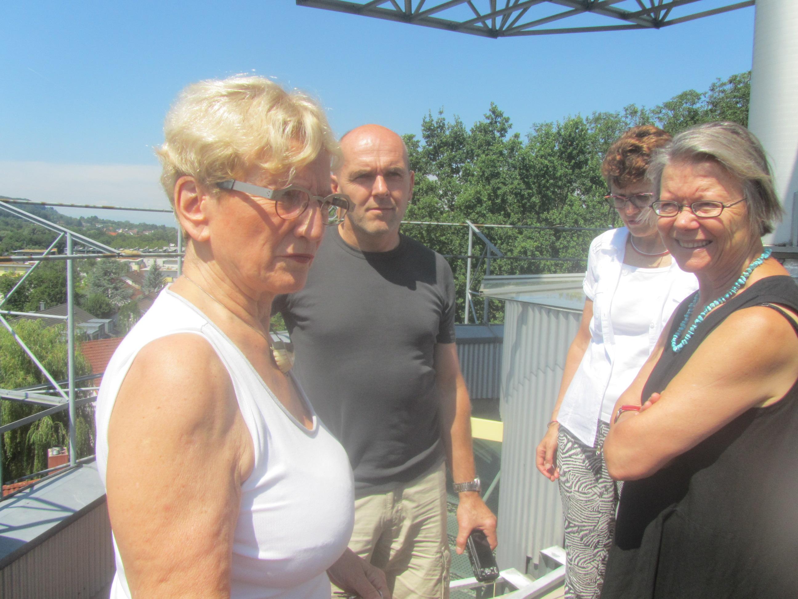 Führung im Heliotrop mit Frau Disch Lehmann - Partnerin des Architekten Rolf Disch und langjährige Bewohnerin