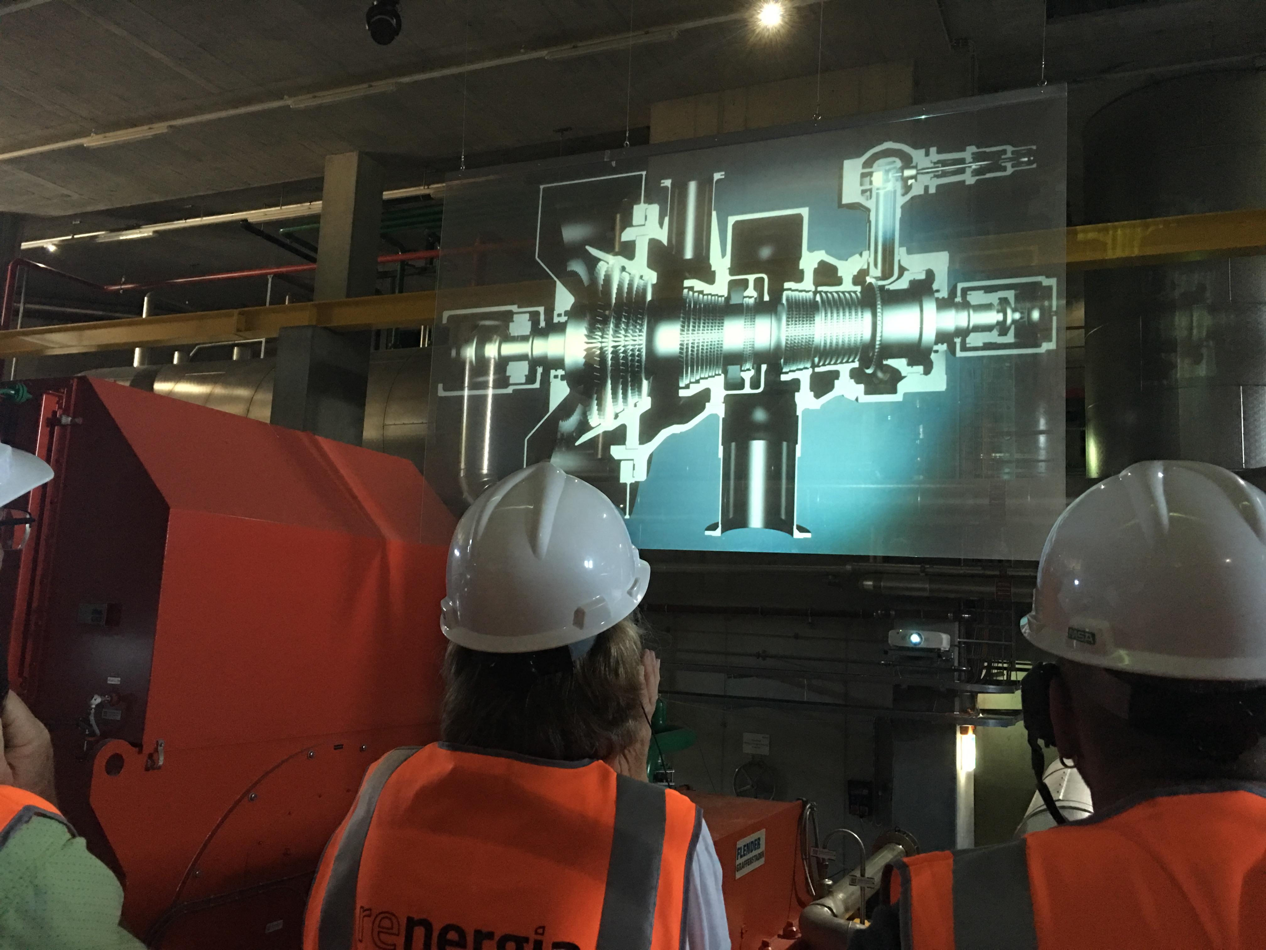 Die technischen Möglichkeiten werden voll ausgenützt, um dem Besucher die Dampfturbine zu erklären.