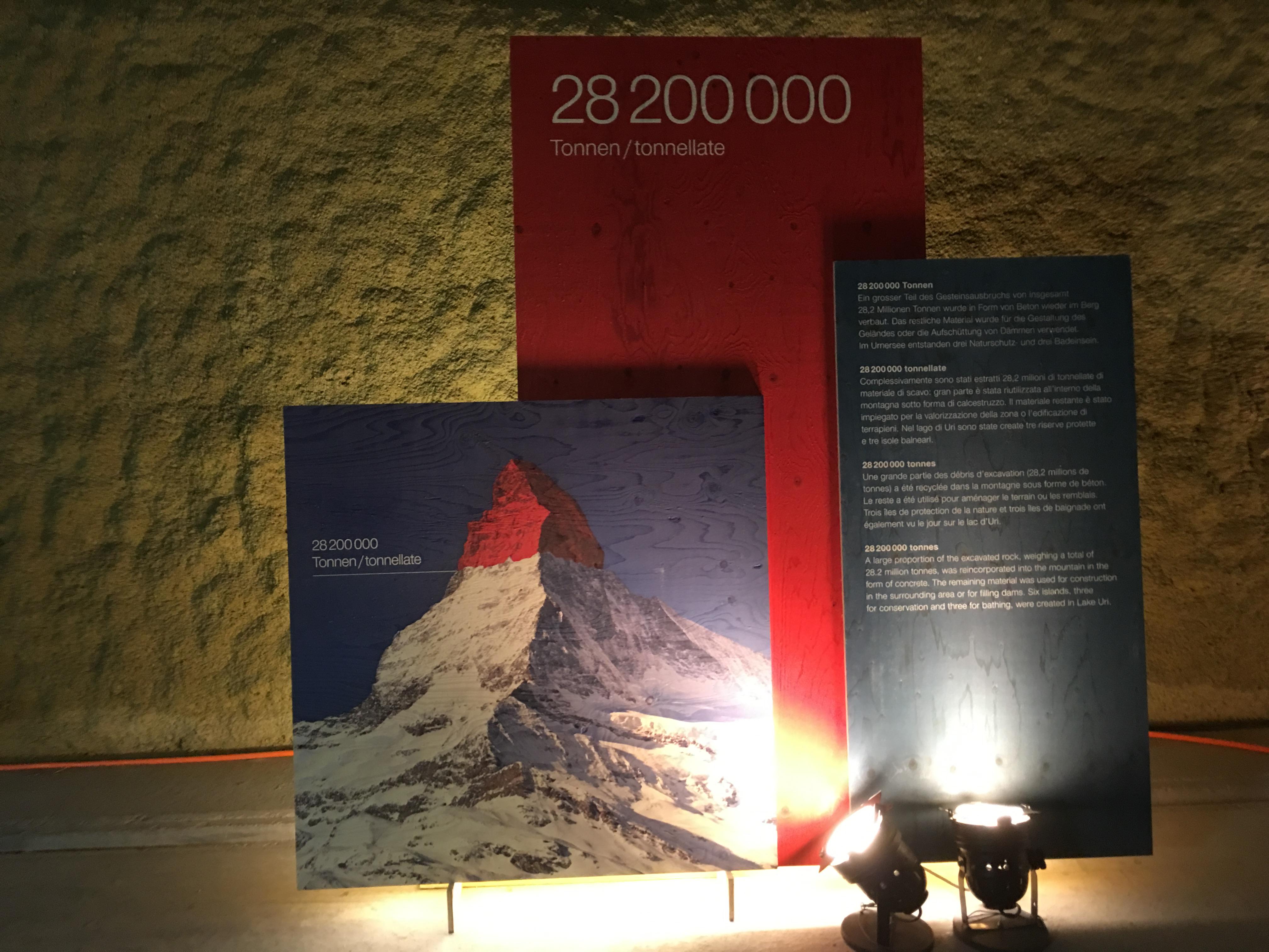 Felsmaterial in der Grösse der Spitze des Matterhorns wurde für den Bau des Gotthard-Basistunnels ausgebrochen.