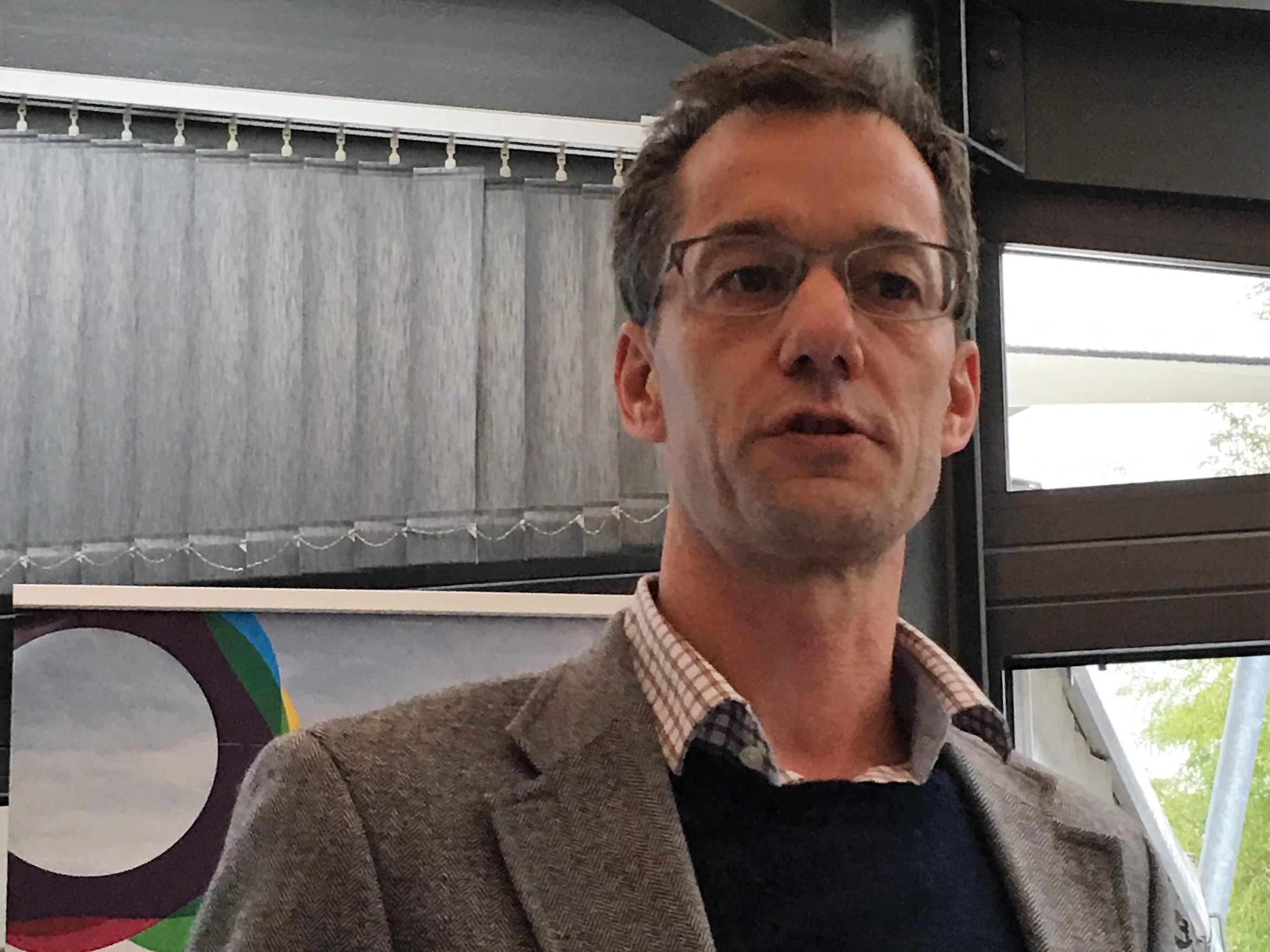 Thomas Furrer, Stadtrat von Rapperswil-Jona, möchte einen Wärmeverbund mit Nutzung der ARA-Abwärme realisieren.